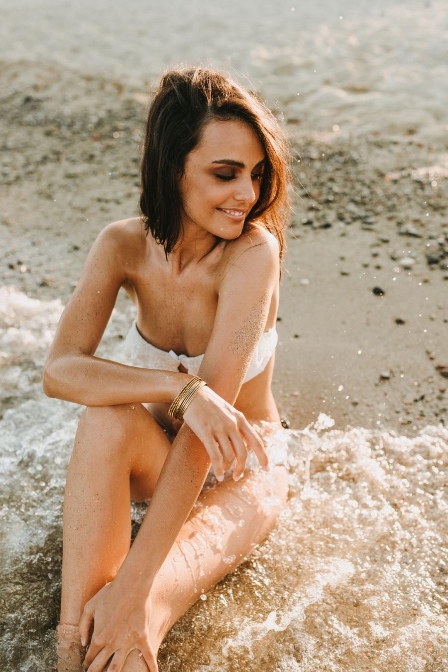 Sesión de fotos en la playa con la modelo Anna Aznar Miss Tarragona