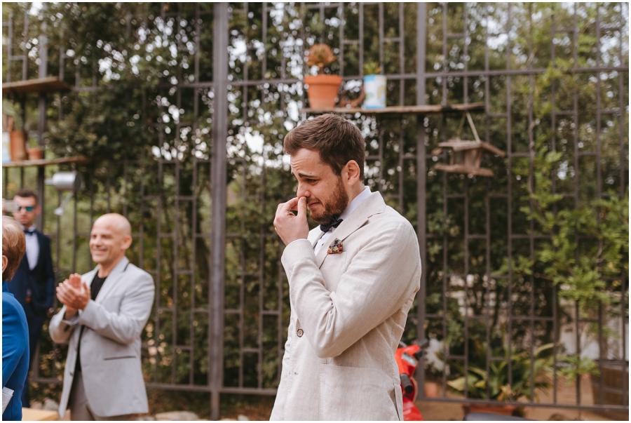 boda aire libre avellana novio emocionado